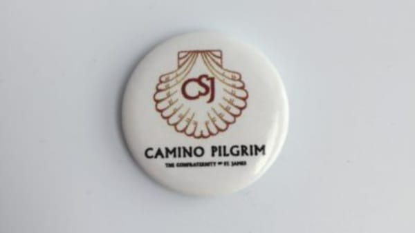 camino pilgrim pin badge