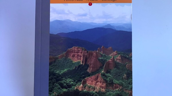 A Pilgrim's Guide to the Camino Sanabrés and Camino Invierno £12.99